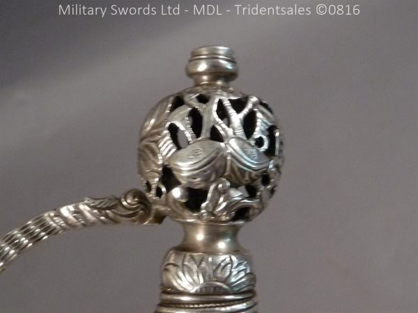 P1060224 600x450 Silver Hilted English 18th Century Sword