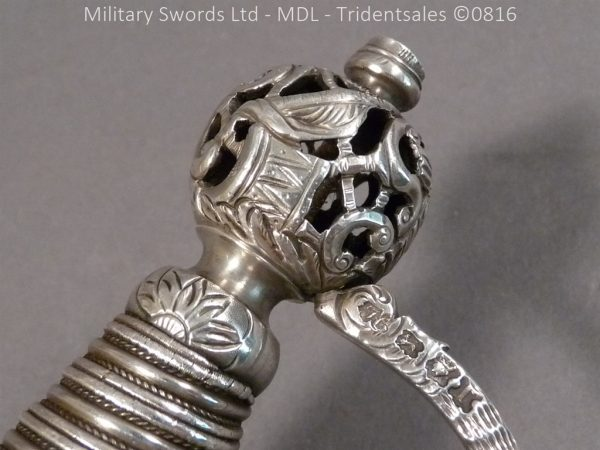 P1060226 600x450 Silver Hilted English 18th Century Sword