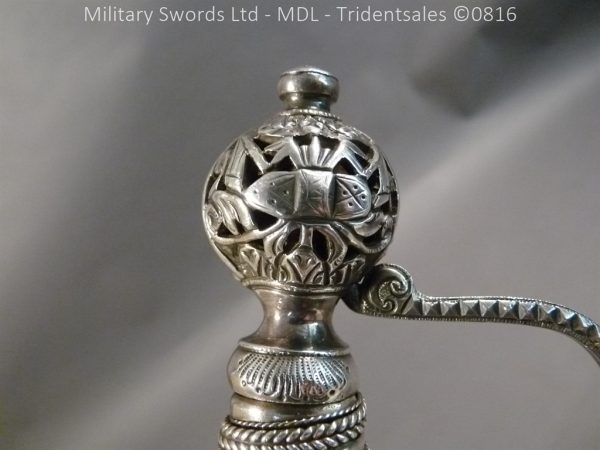 P1060251 1 600x450 Silver Hilted English 18th Century Sword