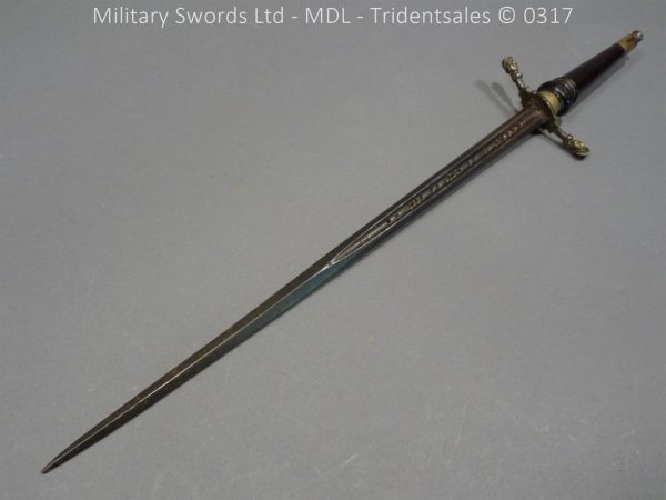 P10644 600x450 French Plug Bayonet 17th Century