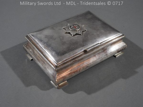 P14994 600x450 Coldstream Guards Officers Tobacco Box