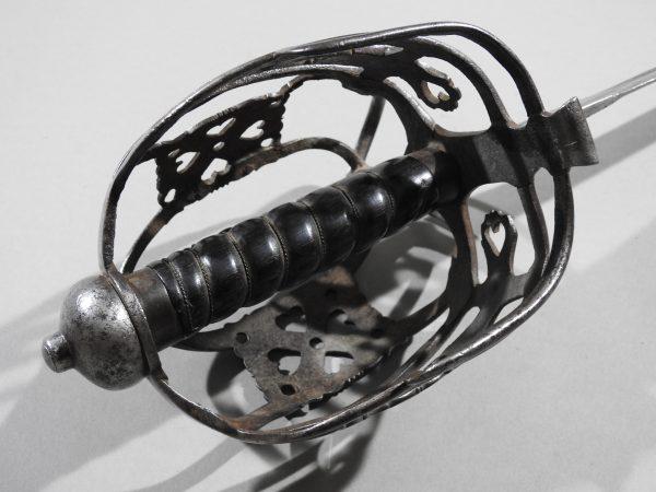 DSCN2463 600x450 Scottish Basket Hilted Broad Sword ANDRIA FARARA c 1760