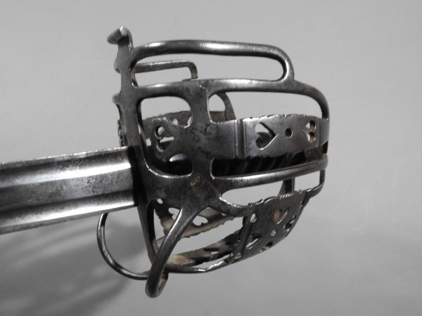 DSCN2470 600x450 Scottish Basket Hilted Broad Sword ANDRIA FARARA c 1760