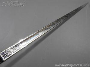 michaeldlong.com 3514 300x225 RAF Officer's Sword ER2