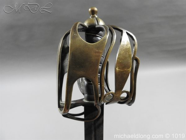michaeldlong.com 4373 600x450 Scottish Officer's 1798 Pat Broad Sword by Fraser London