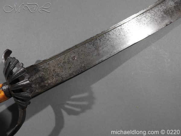 michaeldlong.com 6715 600x450 English Military Hanger Horn Clemens Solingen 1586 1617