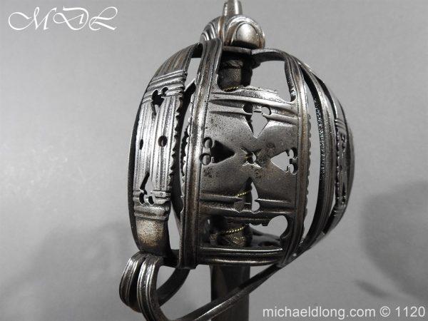 michaeldlong.com 14044 600x450 English Horseman Sword by Harvey