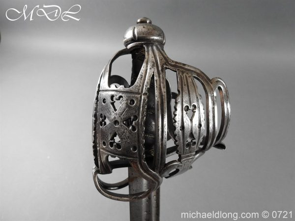 michaeldlong.com 20937 600x450 Scottish Horseman's Sword c1730