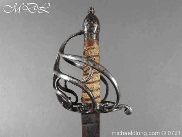 michaeldlong.com 20946 600x450 1788 British Heavy Cavalry Officer's Sword by Woolley