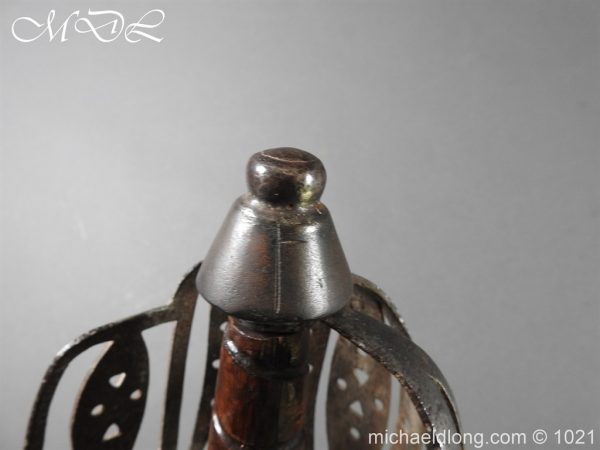 michaeldlong.com 22317 600x450 Royal Highland 42nd Infantry Sword c 1760